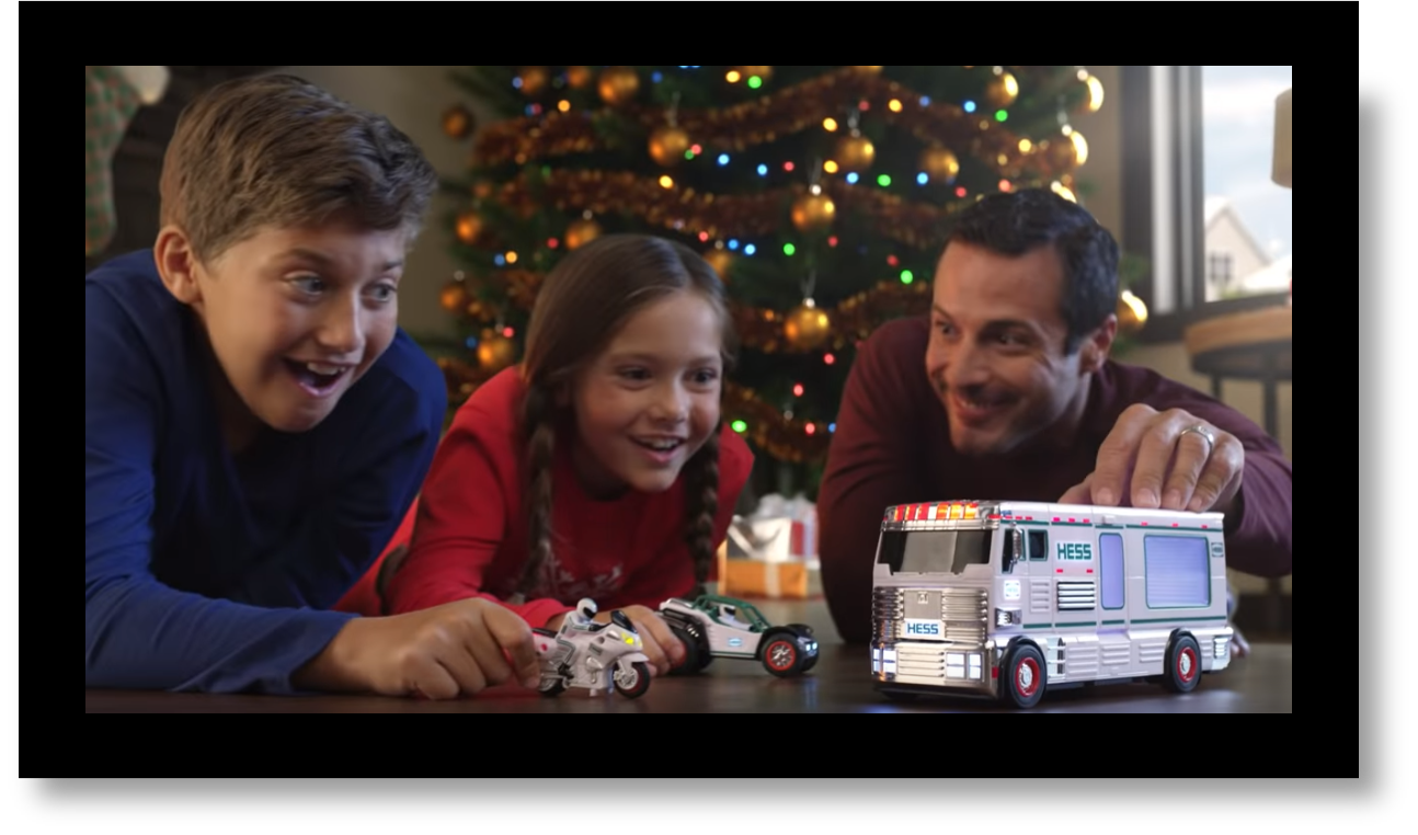 2018 TV Commercial Boy, Girl and Dad playing
