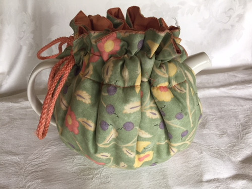 Tea Cosy, Green/peach Flowers (huggable)