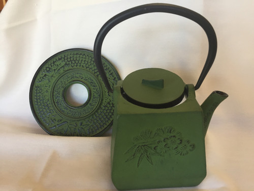 Teapot, Cast Iron 25oz Green with trivet