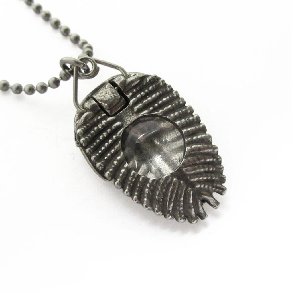 trilobite pendant with built-in magnifier