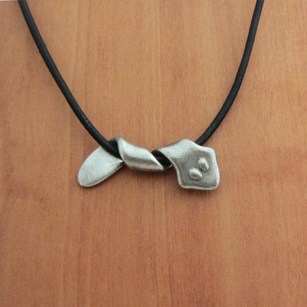 Planarian Necklace