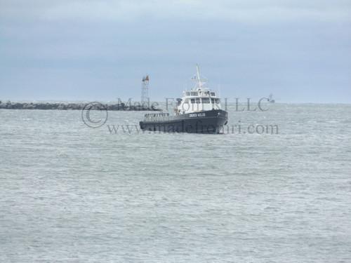 Crew Boat Harbor Of Refuge