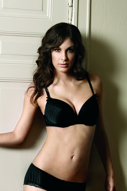 Change Plunge Underwired Bra with Removable Cookies 10244040211