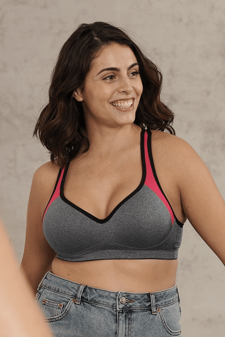 Naturana Wireless Strong Support Padded Sports Bra 5349
