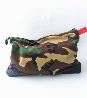 CAMO POP BIG GIRL KELLEY CLUTCH