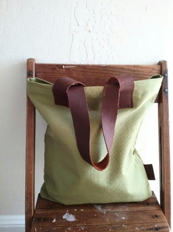 CANVAS + LEATHER TOTE /APPLE GREEN