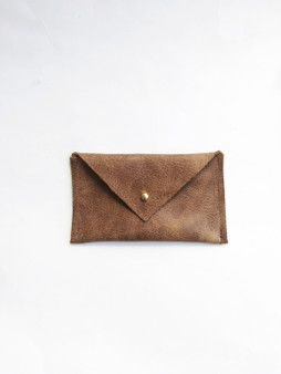 ENVELOPE LEATHER CARD CASE / DISTRESSED BROWN