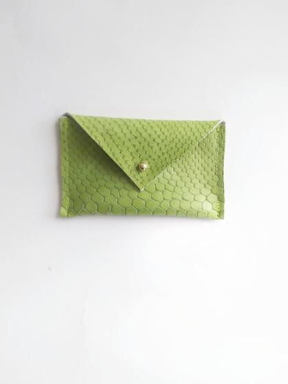 ENVELOPE LEATHER CARD CASE / LIME CROC