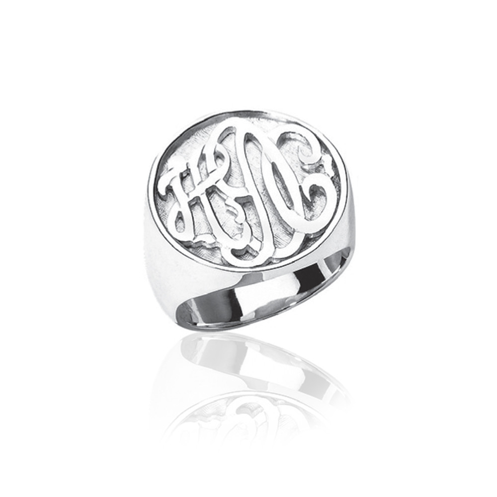 Round Carved Boyfriend Ring