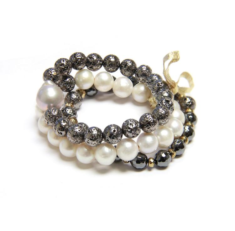 Mono-Chromatic Pearl Bracelet
