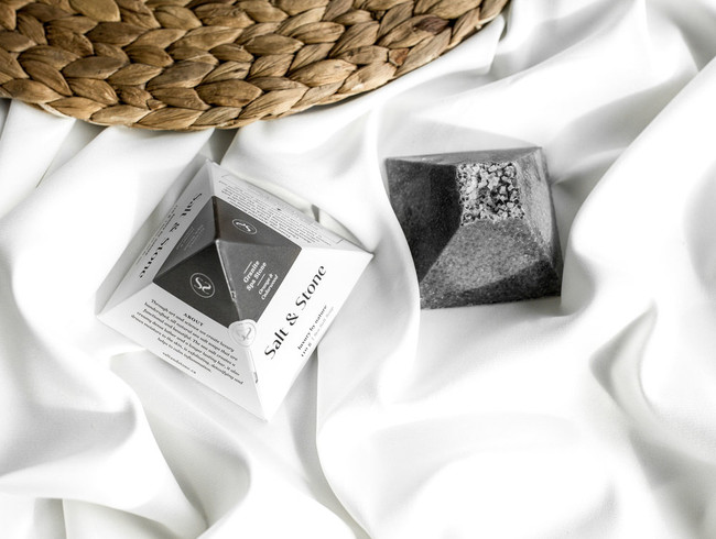 Black Lava Salt Bar Salt&Stone