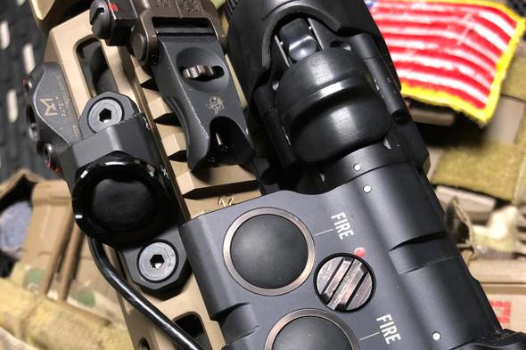 """Unity Tactical Hot Button - MLOK Mount - Surefire - 7"""" - BK"""