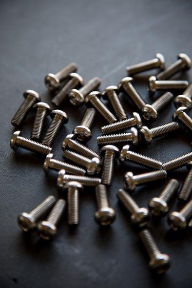 V Seven Titanium Grip Screw