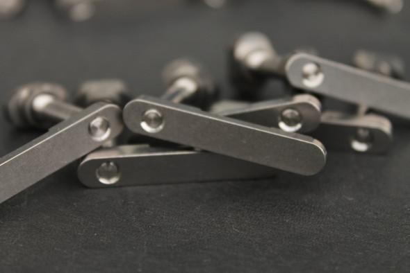 V Seven Titanium Mag Catch/Release With Button: Diamond