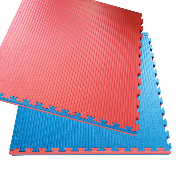 Reversible Tatami 40mm Interlocking floor mats showing edge strip