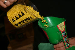 resin-filling-cornhole-bag.jpg