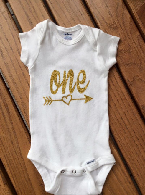 Girl's Glitter Gold One with Heart Arrow Onesie, First Birthday, First Birthday Onesie, Gold First Birthday Onesie, ONE Onesie, First Birthday Shirt, First Birthday