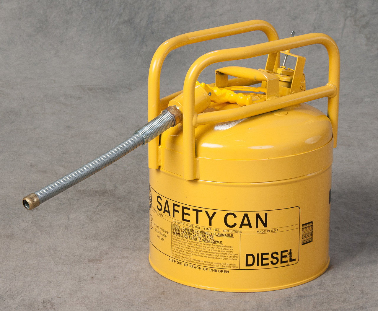 """EAGLE Yellow Galvanized Steel Type II Style Safety Can   w/5/8"""" Flexible Hose"""