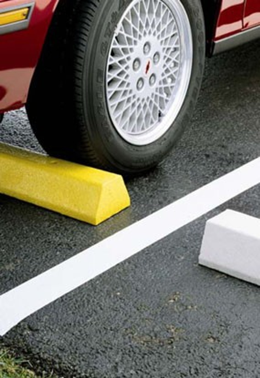 "Innoplast Deluxe Yellow Truck Block 8' L x 7"" H x 10"" W, includes lag bolts (concrete app) or spikes (asphalt app)"