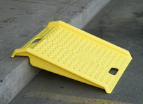 Poly Curb Ramp-Yellow (1000 # Load)