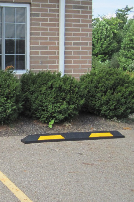 "Innoplast 6' Black/Yellow Rubber Parking Block 72"" L x 6"" W x 4"" H"