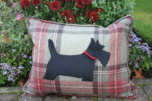 Willow Rectangle Scottie Cushion