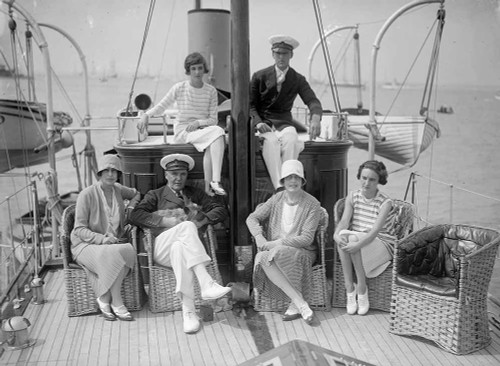 1920s Murder Mystery Set on Yacht.