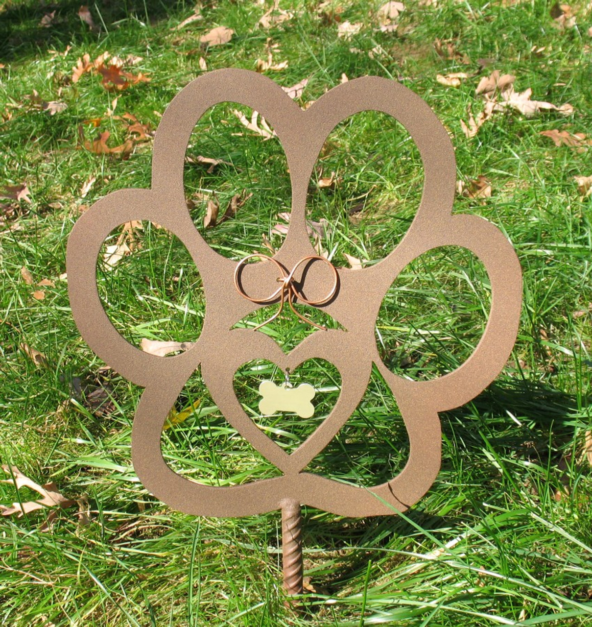 Painted Dog Paw Metal Garden Stake - Metal Yard Art - Metal Garden Art - Pet Memorial - 1