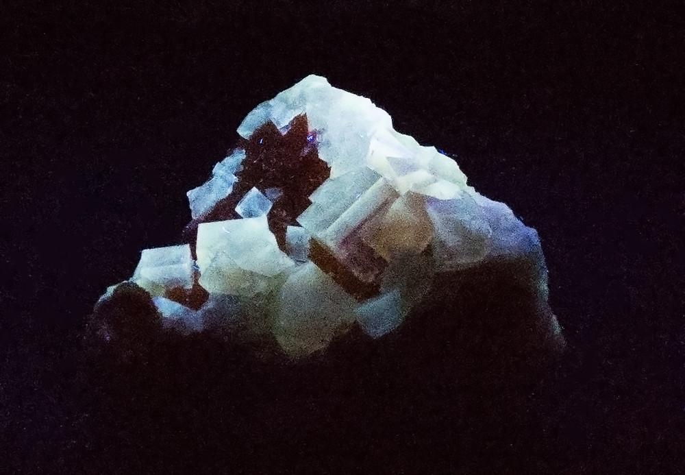Fluorescent Yellow Cubic Fluorite Mineral Specimen, 52x50x34 mm, 75g  in UV Light