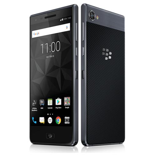 BlackBerry Motion | Side By Side