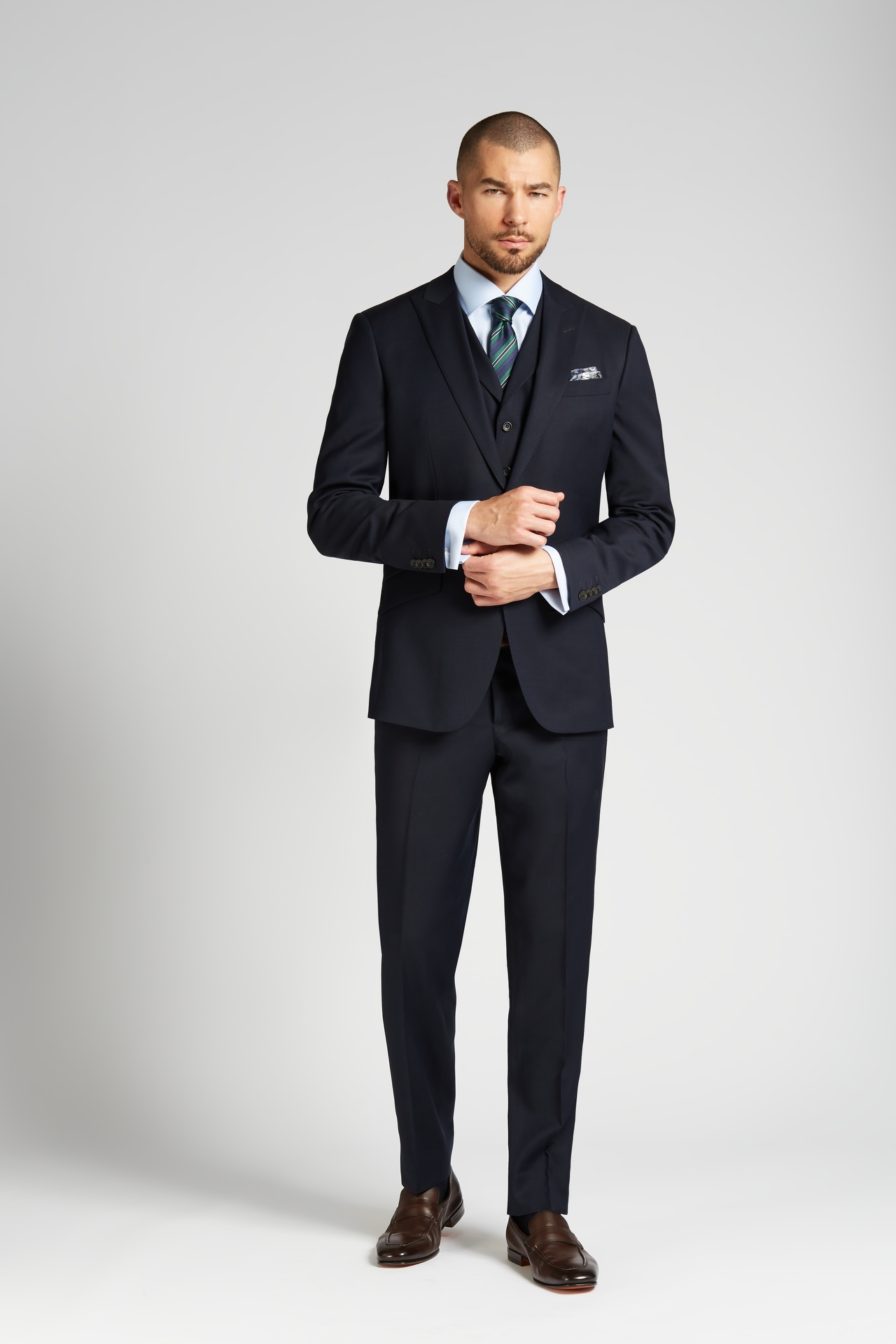 e6900dc20178be August McGregor Slim-fit 4-Season Wool 3-Piece Suit in Midnight Navy ...