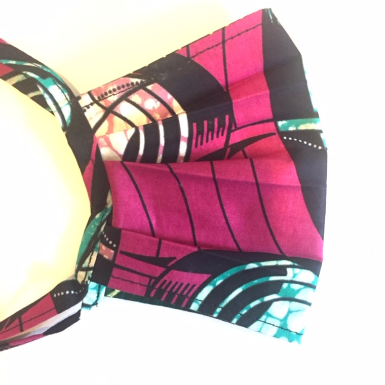Pleated Mask: Pink swirl (M)
