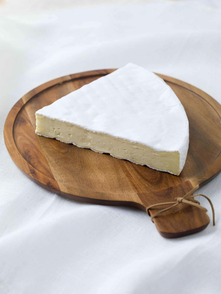 Ile De France Brie Soft Ripened Cheese 8oz (refrigerated)
