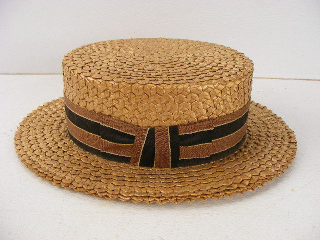 b564783affb8c This antique straw boater hat from Mode De Paris dates to the 1920s and is  a size 7 1 4. - Antique Mystique