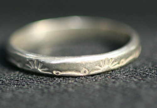 Pre-Owned Women's 925 Sterling Silver Band W/ Designs Sz. 7