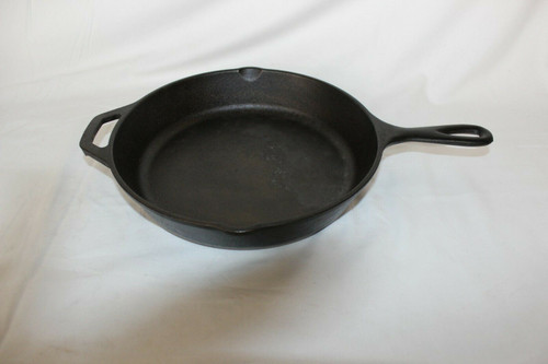 """Cast Iron Frying Pan, Lodge USA 8SK With No Wobble 11.25"""" X 10.50"""""""