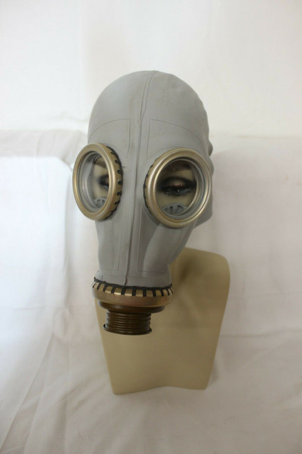 Vintage Soviet Russian Military Gas mask. .- 500, T- 79. Size ??