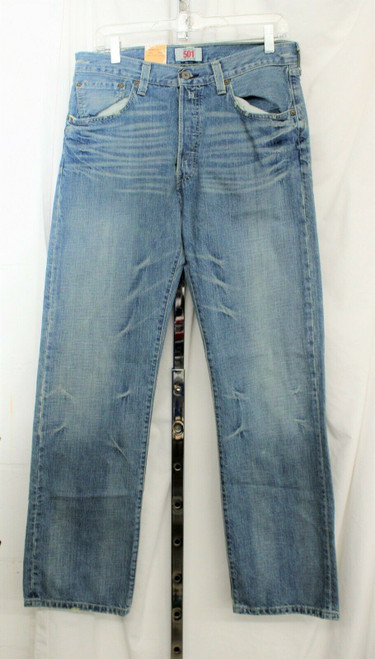 NWT Men's Levis 501 Straight Legged Button Fly Light Wash Jeans 33/32