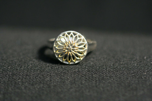 Pre-Owned Sterling Silver Sun Flower Ring - No Stone - Size 9