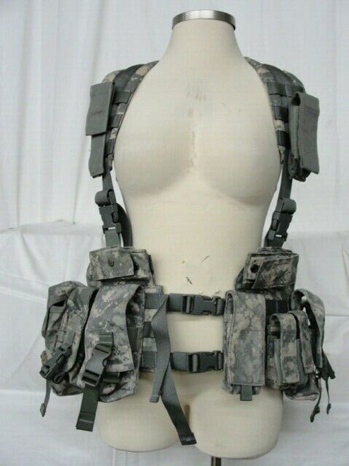 NWOT Digital Camo Harness With + 11 Pouches Size L-XL