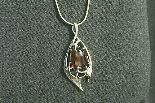 Vintage Sarah Coventry Gold Toned Pendant Necklace W/ Large Topaz Colored Stone
