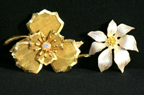Vintage Lot of 2 Gold Toned Floral Brooches~ One is Cerrito & 1 Unbranded