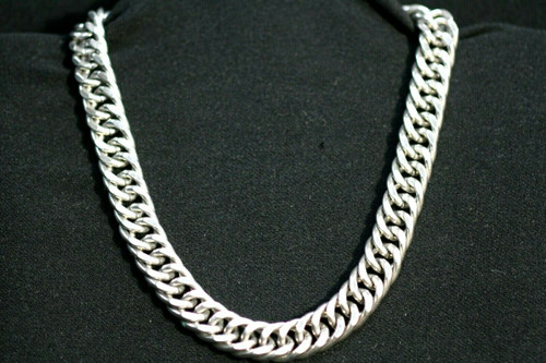 """Vintage Monet Silver Toned Cuban Style Linked Necklace 16.5"""""""