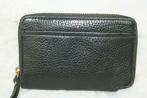 Pre-Owned 1954 Fossil Black Pebbled Leather Zip Around Wallet