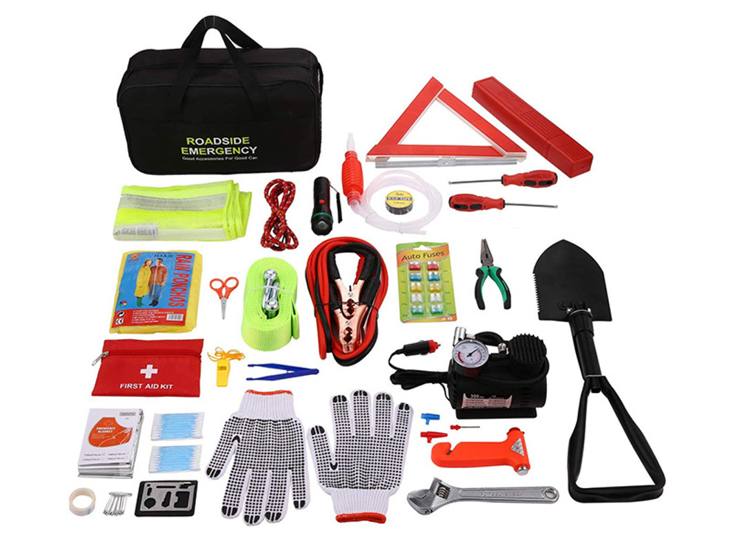 10 Items You Need in Your Car Emergency Kit