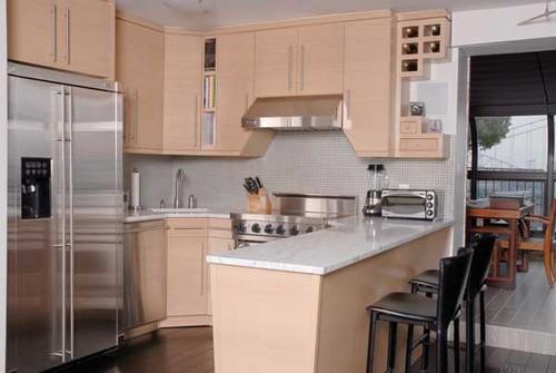 Custom - Clean and Modern Custom Kitchen