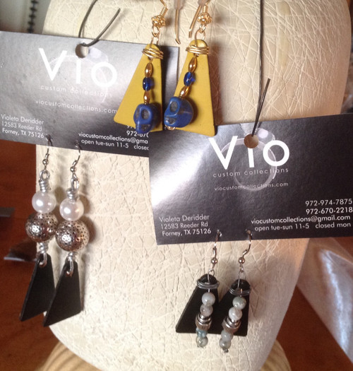 leather and beads Vio's design earrings