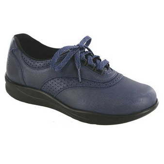 Walk Easy Walking Shoe provides the support you need to keep moving. Lightweight sole relieves pressure on your feet. Medicare Approved: This style has met the standards set by Medicare. Please see your doctor for details and qualifications. Available in Black