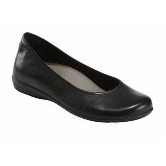 ALDER ASTORIA is classic ballet flat and simple silhouette with incomparable support to carry you from day to night. Available in Black