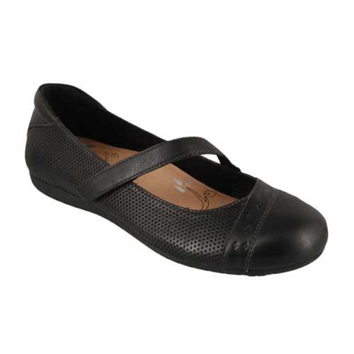 The flexible, durable outsole gives your comfort and grip with each step.  Leather uppers shows off its quality while a leather lining compliments the feel against your feet. Available in Black